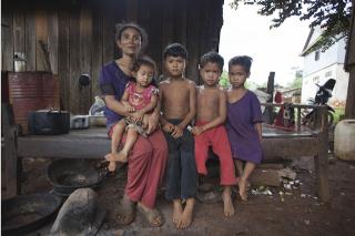 Guetteurs et tocsin Au Cambodge, une ethnie lutte pour ses terres